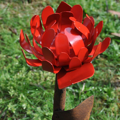 Flower scupture by Teangi