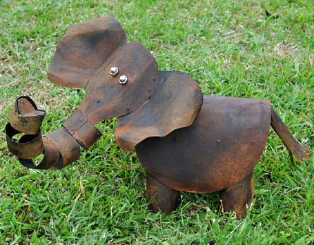 Elephant scupture by Teangi